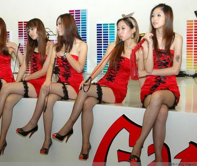 成人展性文化节情趣内衣秀美女模特现场实拍高清视频看点:情趣内衣秀,美女模特,美女跳舞