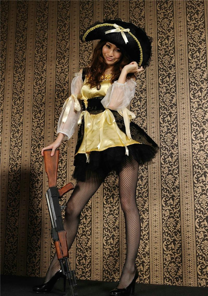 日系网袜美女海盗装美腿高跟性感诱惑室内写真