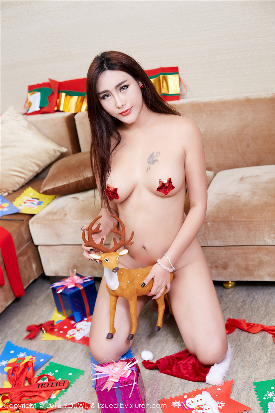 性感尤物FoxYini孟狐狸圣诞节主题美乳写真图片 VOL.042
