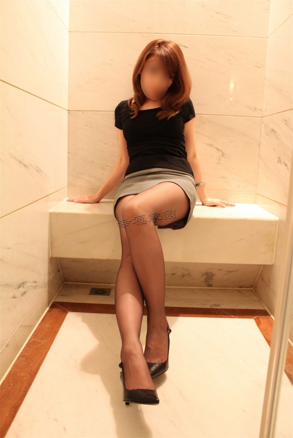 性感少妇私房黑丝诱惑匿名写真图片(图9)