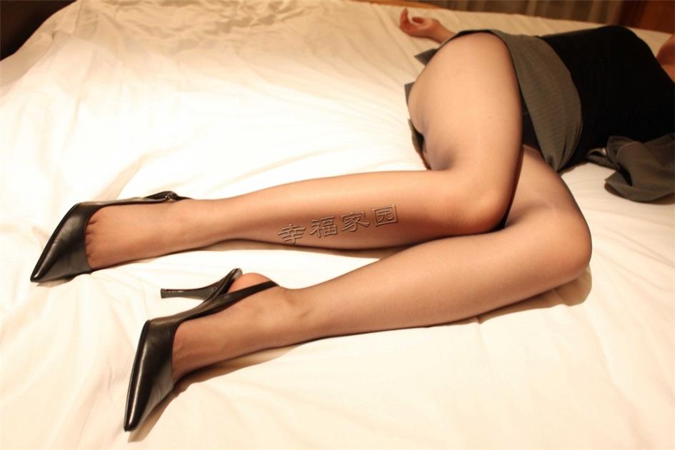 性感少妇私房黑丝诱惑匿名写真图片(图29)