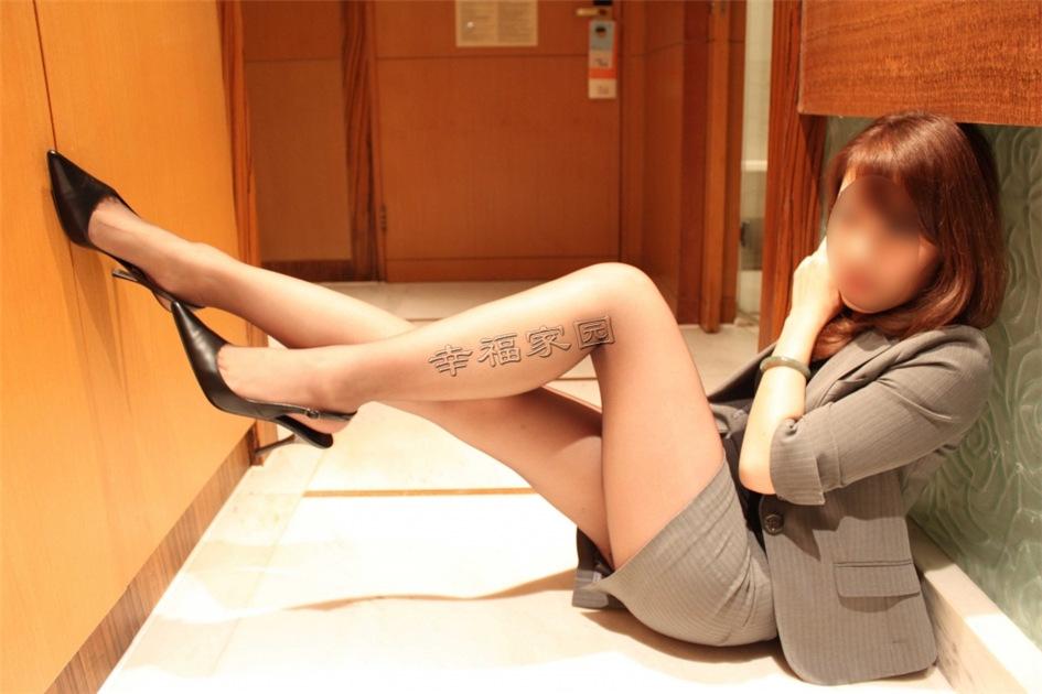 性感少妇私房黑丝诱惑匿名写真图片(图37)