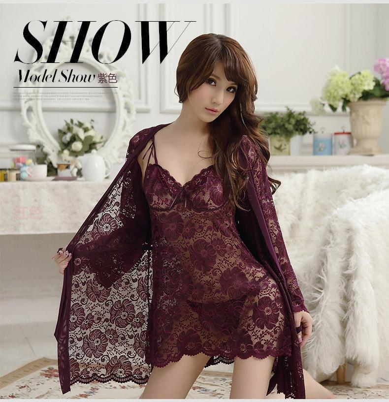 设计师将蕾丝与网纱巧妙结合,掀起一股性感时尚的透视装风潮