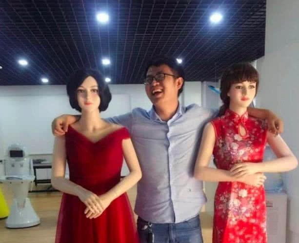 """娶不到媳妇别慌,看看这个美女机器人,日本发布最新""""妻子""""机器人,功能齐全,宅男""""疯狂""""订购"""